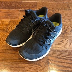 Nike Free 5.0 Black & White